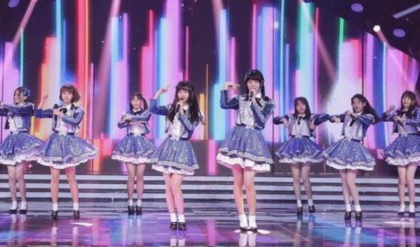 AKB48 Team SH携新歌《关于你》打榜 首登央视舞台