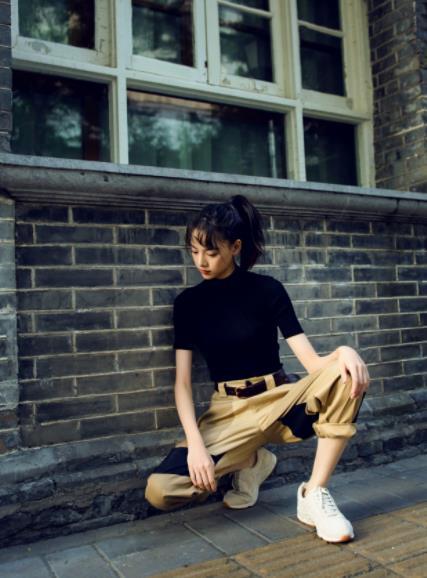 张艺上初秋街拍写真潮酷来袭