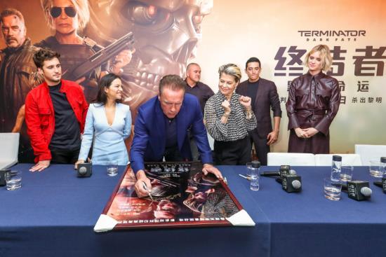 《终结者:黑暗命运》首映盛况直击 施瓦辛格满腔热血主宰命运之战